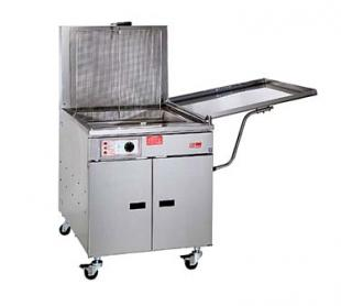 Pitco Fish Fryer, 150 Pounds Capacity, Low Splash Back - 24F